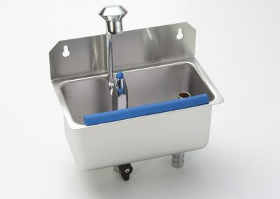 Wall Mounted Cleaning Sink – Model 15/16
